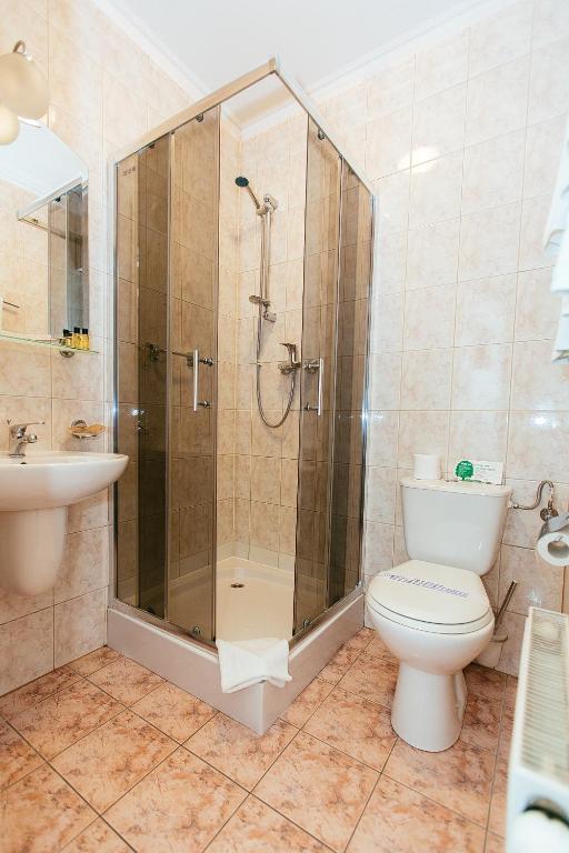 łazienka wpokoju typu twin